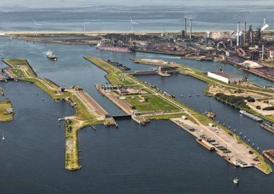Sluizencomplexen Noordzeekanaal te Amsterdam en IJmuiden
